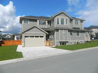 "Photo 2: 4333 N AUGUSTON Parkway in Abbotsford: Abbotsford East House for sale in ""Auguston"" : MLS®# R2163426"