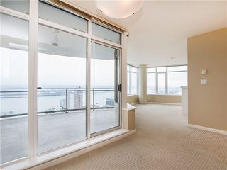 "Photo 2: 1601 888 CARNARVON Street in New Westminster: Downtown NW Condo for sale in ""Marinus"" : MLS®# R2166127"