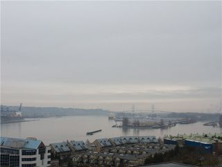 "Photo 8: 1601 888 CARNARVON Street in New Westminster: Downtown NW Condo for sale in ""Marinus"" : MLS®# R2166127"