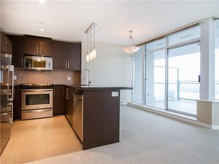 "Photo 12: 1601 888 CARNARVON Street in New Westminster: Downtown NW Condo for sale in ""Marinus"" : MLS®# R2166127"