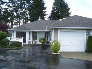 Photo 1: 108 2460 156TH Street in South Surrey White Rock: Home for sale : MLS®# F1125474