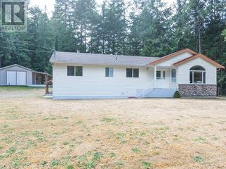 Photo 2: 4879 Prospect Drive in Ladysmith: House for sale : MLS®# 386452