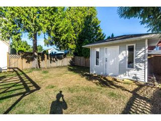 """Photo 20: 12477 77A Avenue in Surrey: West Newton House for sale in """"Strawberry Hill"""" : MLS®# R2206395"""