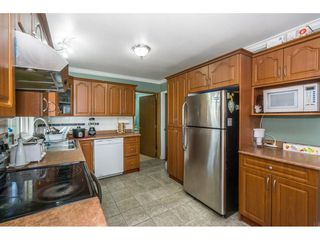 """Photo 9: 12477 77A Avenue in Surrey: West Newton House for sale in """"Strawberry Hill"""" : MLS®# R2206395"""