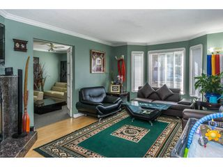"""Photo 3: 12477 77A Avenue in Surrey: West Newton House for sale in """"Strawberry Hill"""" : MLS®# R2206395"""