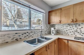 Photo 11: 4431 4 ST NW in Calgary: Highwood House for sale : MLS®# C4161486