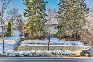 Photo 1: 4431 4 ST NW in Calgary: Highwood House for sale : MLS®# C4161486