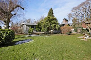 Photo 12: 2360 CRESCENT Way in Abbotsford: Central Abbotsford House for sale : MLS®# R2242278