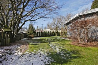 Photo 15: 2360 CRESCENT Way in Abbotsford: Central Abbotsford House for sale : MLS®# R2242278