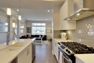 Photo 8: 15818 MOUNTAIN VIEW DRIVE in Surrey: Grandview Surrey House for sale (South Surrey White Rock)  : MLS®# R2206200