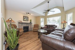 Photo 5: 20134 ASHLEY Crescent in Maple Ridge: Southwest Maple Ridge House for sale : MLS®# R2259929