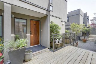 "Photo 3: W4 1070 W 7TH Avenue in Vancouver: Fairview VW Townhouse for sale in ""False Creek Terrace"" (Vancouver West)  : MLS®# R2268291"