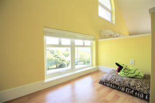 Photo 13: 767 EDGAR Avenue in Coquitlam: Coquitlam West House for sale : MLS®# R2269564