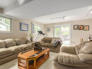 Photo 12: 12104 57A Avenue in Surrey: Panorama Ridge House for sale : MLS®# R2270929