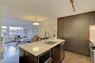 "Photo 8: 415 1677 LLOYD Avenue in North Vancouver: Pemberton NV Condo for sale in ""District Crossing"" : MLS®# R2282437"