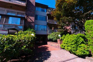 "Photo 2: 411 13316 OLD YALE Road in Surrey: Whalley Condo for sale in ""Yale House"" (North Surrey)  : MLS®# R2285927"