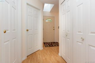 Photo 4: 18 4120 Interurban Road in VICTORIA: SW Strawberry Vale Townhouse for sale (Saanich West)  : MLS®# 399344