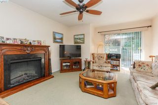 Photo 5: 18 4120 Interurban Road in VICTORIA: SW Strawberry Vale Townhouse for sale (Saanich West)  : MLS®# 399344