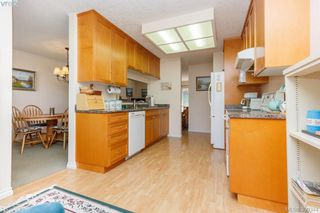 Photo 16: 18 4120 Interurban Road in VICTORIA: SW Strawberry Vale Townhouse for sale (Saanich West)  : MLS®# 399344