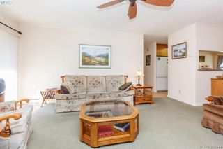 Photo 8: 18 4120 Interurban Road in VICTORIA: SW Strawberry Vale Townhouse for sale (Saanich West)  : MLS®# 399344
