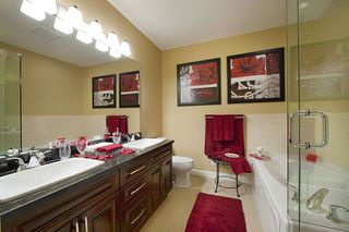 """Photo 5: 326 8218 207A Street in Langley: Willoughby Heights Condo for sale in """"Yorkson Creek - Walnut Ridge 4"""" : MLS®# R2306514"""