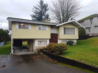 Photo 2: 1910 MCKENZIE Road in Abbotsford: Central Abbotsford House for sale : MLS®# R2330036