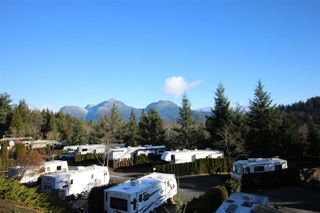 """Photo 2: 1 2170 PORT MELLON Highway in Gibsons: Gibsons & Area Manufactured Home for sale in """"LANGDALE HEIGHTS"""" (Sunshine Coast)  : MLS®# R2330760"""