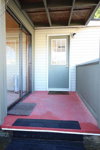 """Photo 10: 1 2170 PORT MELLON Highway in Gibsons: Gibsons & Area Manufactured Home for sale in """"LANGDALE HEIGHTS"""" (Sunshine Coast)  : MLS®# R2330760"""