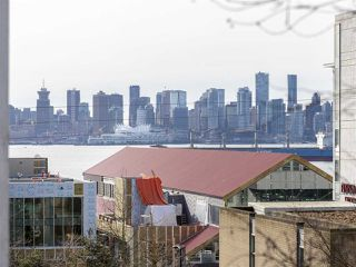 "Main Photo: 313 147 E 1ST Street in North Vancouver: Lower Lonsdale Condo for sale in ""Coronado"" : MLS®# R2343044"