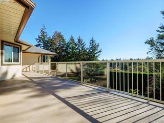 Photo 10: 1788 Fairfax Pl in NORTH SAANICH: NS Dean Park Single Family Detached for sale (North Saanich)  : MLS®# 807052