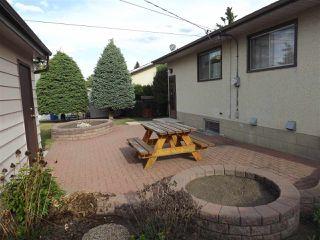 Photo 3: 6712 136 Avenue in Edmonton: Zone 02 House for sale : MLS®# E4145726