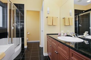 Photo 9: 41730 WOODRIDGE Place in Yarrow: Majuba Hill House for sale : MLS®# R2354141