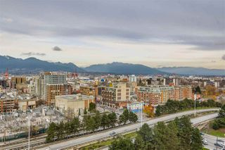 "Photo 9: 1801 125 MILROSS Avenue in Vancouver: Downtown VE Condo for sale in ""Creekside"" (Vancouver East)  : MLS®# R2355914"