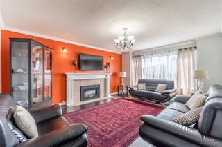 Photo 3: 3795 CHADSEY Crescent in Abbotsford: Central Abbotsford House for sale : MLS®# R2362934