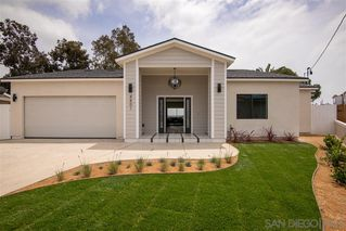 Photo 3: CLAIREMONT House for sale : 4 bedrooms : 4801 Mount Armour in San Diego
