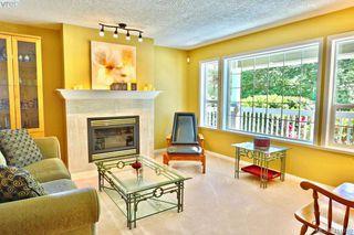 Photo 4: 2180 Ridgedown Place in SAANICHTON: CS Saanichton Single Family Detached for sale (Central Saanich)  : MLS®# 411059