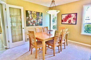 Photo 5: 2180 Ridgedown Place in SAANICHTON: CS Saanichton Single Family Detached for sale (Central Saanich)  : MLS®# 411059