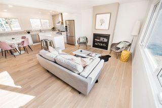 Photo 3: 9235 74 Street in Edmonton: Zone 18 House for sale : MLS®# E4158327