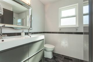"Photo 12: 20377 88B Avenue in Langley: Walnut Grove House for sale in ""Walnut Grove"" : MLS®# R2380628"
