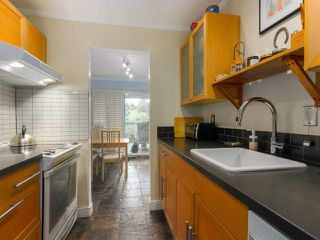 "Photo 9: 103 222 N TEMPLETON Drive in Vancouver: Hastings Condo for sale in ""CAMBRIDGE COURT"" (Vancouver East)  : MLS®# R2383049"