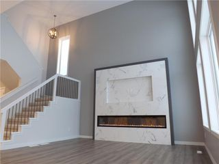 Photo 3: 11 Sansregret Court in Winnipeg: Charleswood Residential for sale (1H)  : MLS®# 202000894