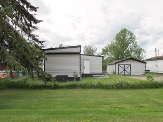 """Photo 1: 9871 MAPLE Street in Fort St. John: Fort St. John - Rural W 100th Manufactured Home for sale in """"GRAND HAVEN"""" (Fort St. John (Zone 60))  : MLS®# R2431676"""