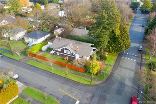 Photo 3: 1932 Quamichan St in VICTORIA: Vi Fairfield East Single Family Detached for sale (Victoria)  : MLS®# 832107