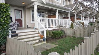 "Photo 2: 42 6852 193 Street in Surrey: Clayton Townhouse for sale in ""Indigo"" (Cloverdale)  : MLS®# R2435881"
