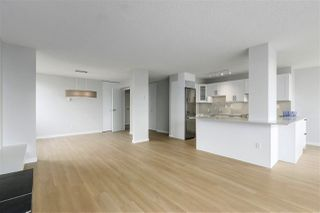 "Photo 3: 202 460 14 Street in West Vancouver: Ambleside Condo for sale in ""Tiffany Court"" : MLS®# R2445876"
