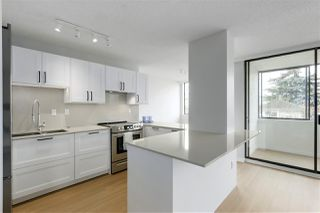 "Photo 11: 202 460 14 Street in West Vancouver: Ambleside Condo for sale in ""Tiffany Court"" : MLS®# R2445876"