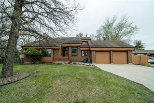 Photo 2: 82 Rice Road in Winnipeg: Fort Richmond Residential for sale (1K)  : MLS®# 202010799
