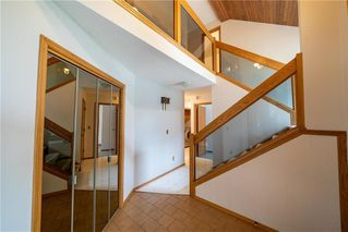 Photo 4: 82 Rice Road in Winnipeg: Fort Richmond Residential for sale (1K)  : MLS®# 202010799