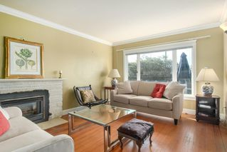 Photo 7: 1255 MATHERS Avenue in West Vancouver: Ambleside House for sale : MLS®# R2460735