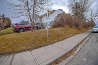 Photo 3: 2139 26 Avenue SW in Calgary: Richmond Detached for sale : MLS®# A1047705